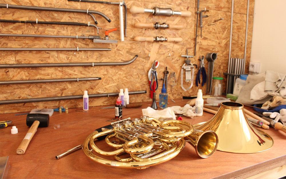 black trombone reparateur d'instruments de musique saint-Nazaire