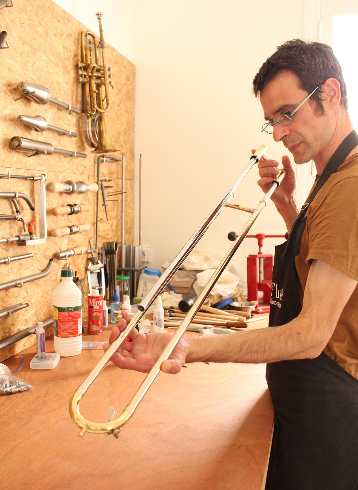 black trombone réparateurs d'instruments de musique saint-nazaire