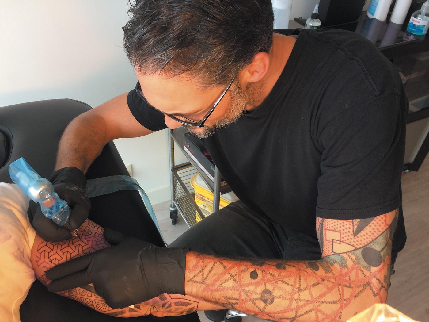 romualdpointbarre-tatouage-tattoo-sinon_magazine